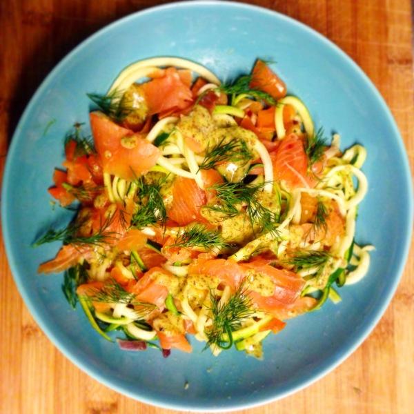 paleo pasta courgetti met zalm dille
