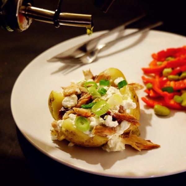 gepofte aardappel met makreel eetsnakelijk