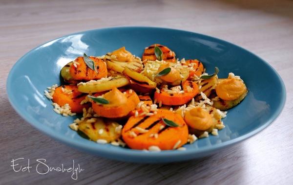 geroosterde groenten met gepofte rijst en jasmijncreme